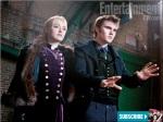 The evil wonder power duo Jane (Dakota Fanning) and Alec (Cameron Bright) demonstrating their power